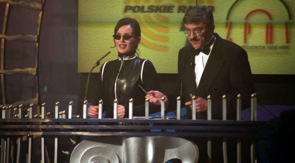 Z Markiem Niedźwieckim, twórcą trójkowej listy, artystka spotkała się podczas gali Fryderyków, którą wspólnie prowadzili (fot.TVP)