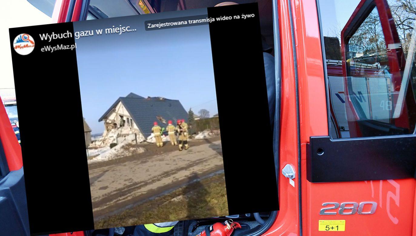 Trzy osoby trafiły do szpitala po zawaleniu się dachu w budynku mieszkalnym (fot. Facebook/eWysMaz.pl; PAP/Marcin Bielecki)