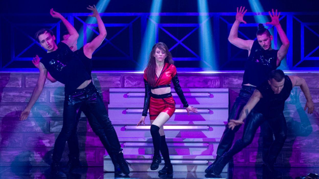 Roxie na scenie pokazała nowe oblicze. To z pewnością nie było ani grzeczne, ani szkolne... (Natasza Mludzik/ fot. TVP)