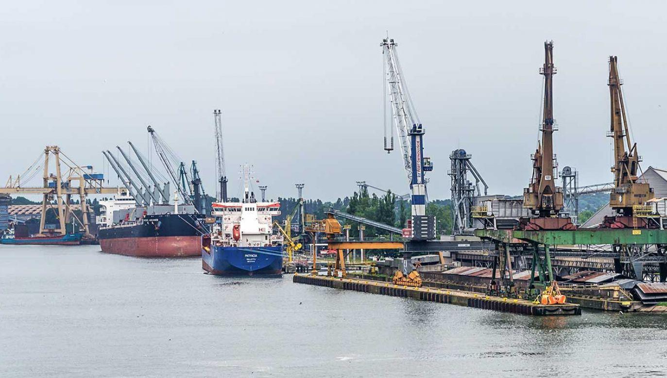 Nielegalne odpady z Norwegii trafiły do Polski (fot. Shutterstock/WDnet Creation)