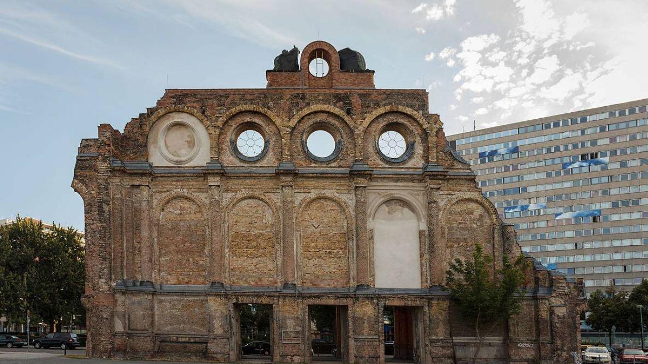 Na pl. Askańskim w Berlinie miał powstać pomnik polskich ofiar niemieckich zbrodni (fot. Wikimedia Commons/Slaunger)
