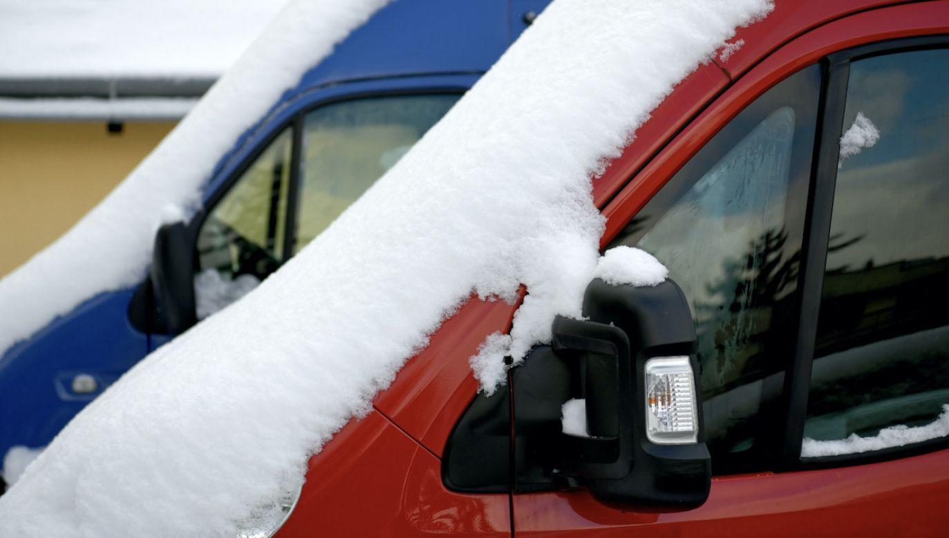 Wilgoć niszczy nasze auta (fot. PAP/D.Delmanowicz, zdjęcie ilustracyjne)