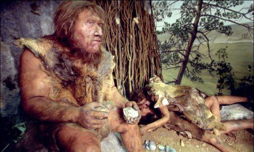 Prezentacja nowo odkrytych kości skamieniałych neandertalczyka,  20 marca 1999 r. Mettmann, Niemcy. Fot. Patrick AVENTURIER / Gamma-Rapho via  Getty Images