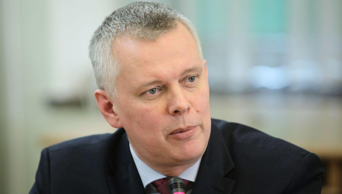 Siemoniak odkreślił, że jeśli zostanie przewodniczącym Platformy, to partia ta pokaże, że jest szeroką formacją centrum (fot. PAP/Wojciech Olkuśnik)