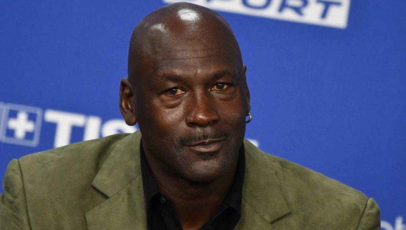 Pieniądze będą dystrybuowane za pośrednictwem marki legendarnego koszykarza Michaela Jordana w ciągu dziesięciu lat.(fot. EPA/JULIEN DE ROSA )