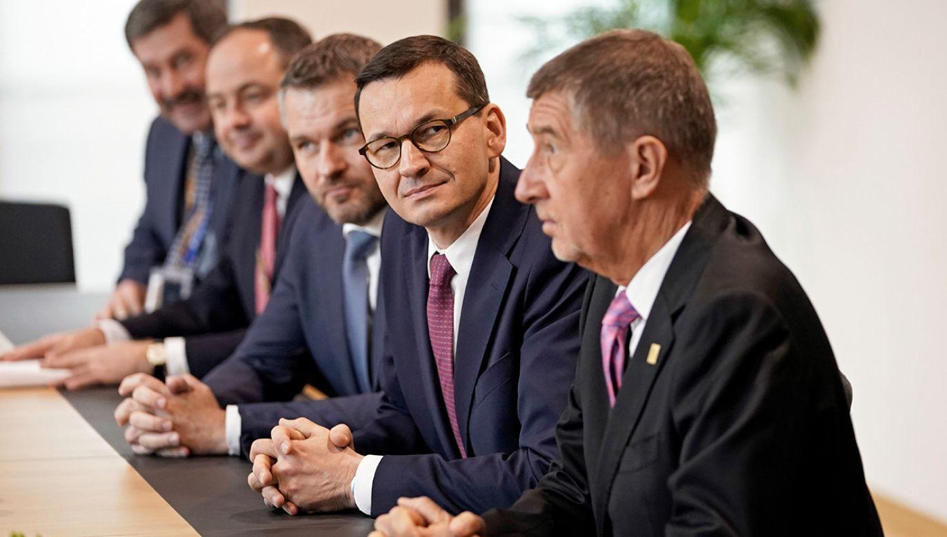 Nowa propozycja wieloletniego budżetu UE zakłada, że unijne wydatki będą na poziomie 1,069 proc. DNB (fot. PAP/EPA/KENZO TRIBOUILLARD / POOL)