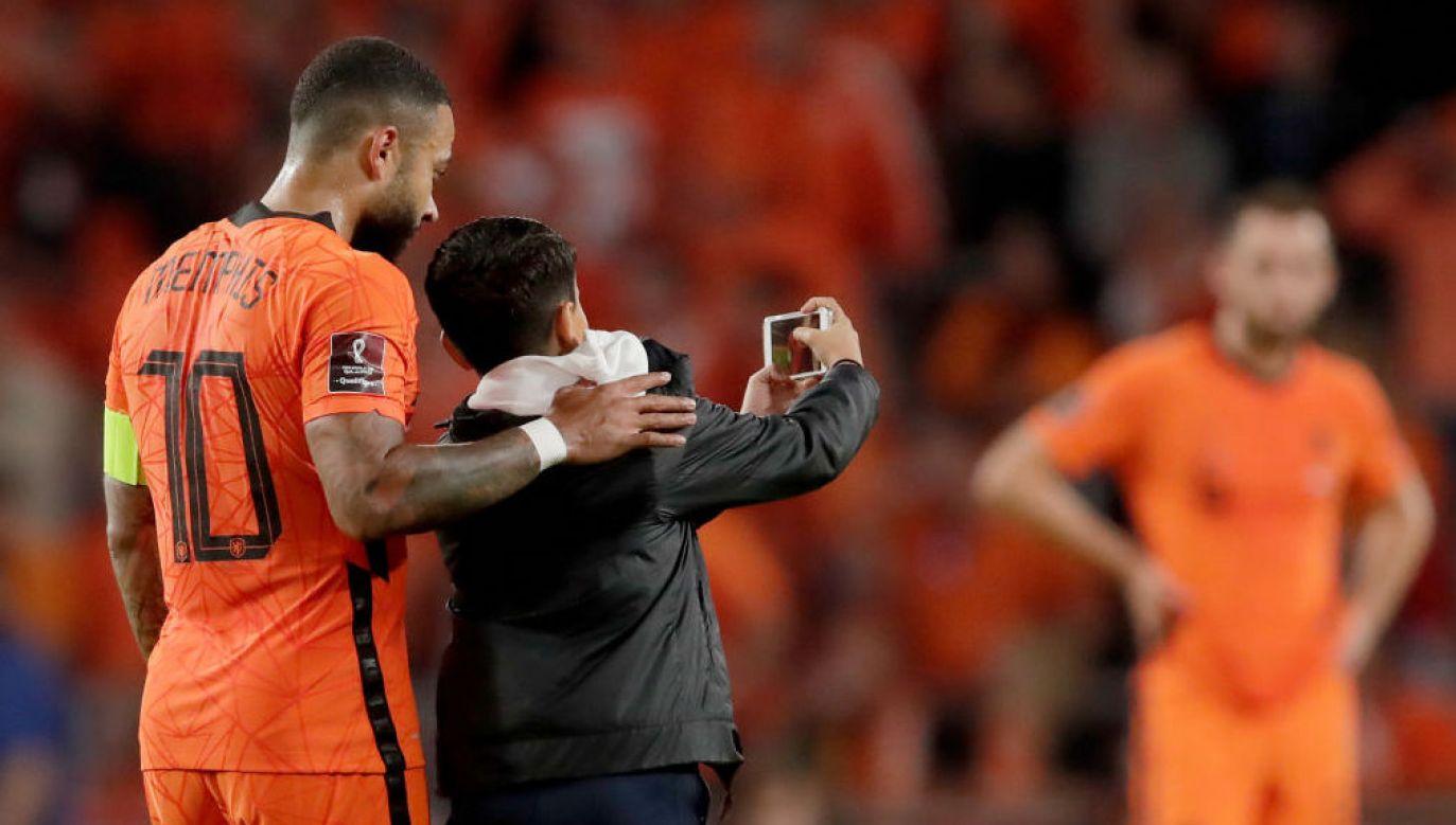 Wchodzenie na boisko podczas meczu jest zabronione – podkreśla federacja (fot. Eric Verhoeven/Soccrates/Getty Images)