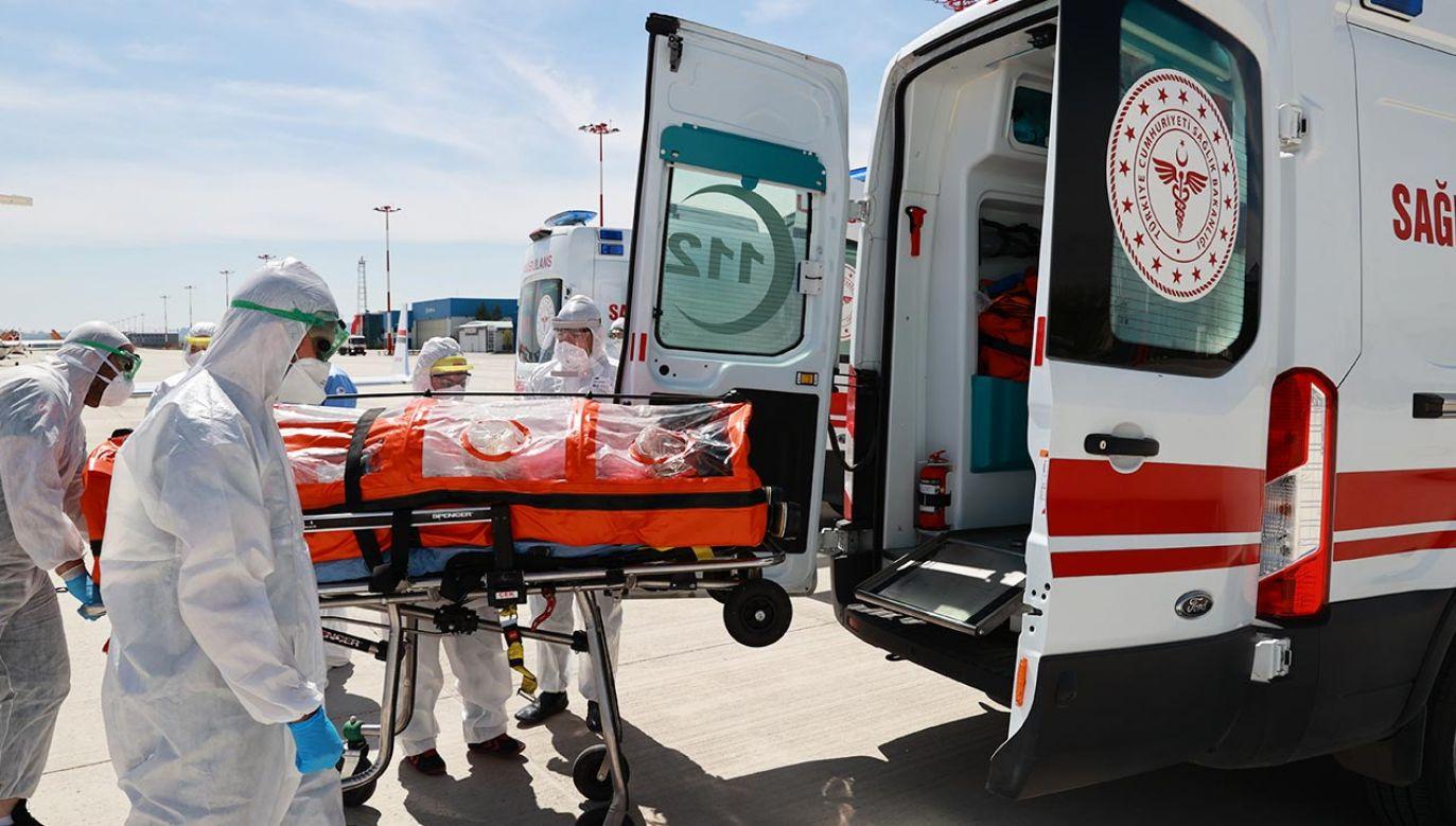 """Według """"Expressen"""" liczba zgonów na Covid-19 w Szwecji przypomina sytuację z wiosny (fot. Aytug Can Sencar/Anadolu Agency via Getty Images)"""