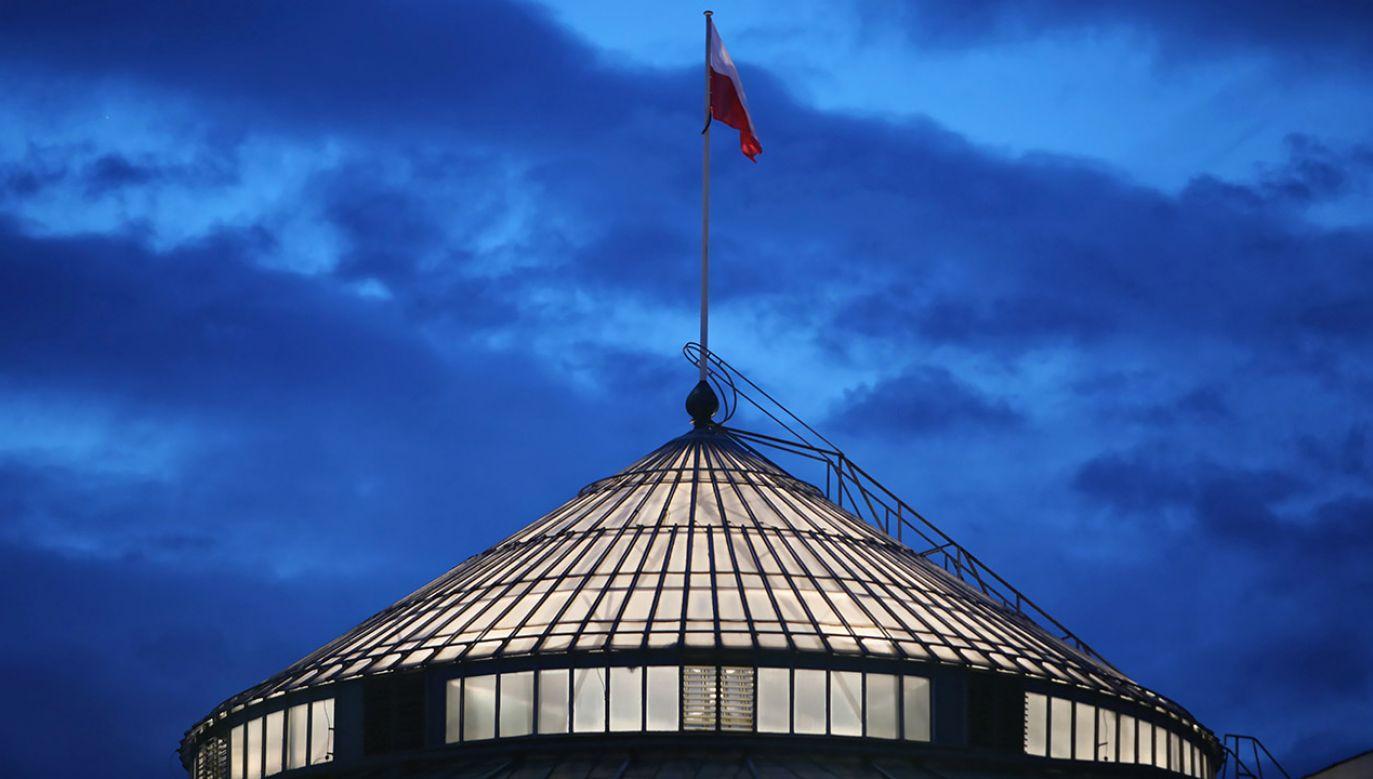 Politolog nie wyklucza, że w późniejszym czasie może dojść do jakiegoś porozumienia między opozycją i rządzącymi (fot. PAP/Leszek Szymański)