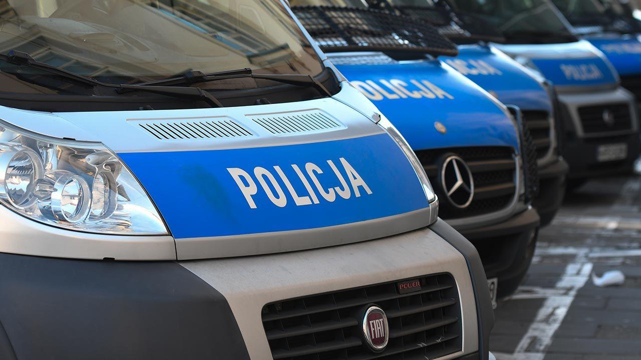 Policja zatrzymała sprawców pobicia piłkarza (fot. Artur Widak/NurPhoto via Getty Images)