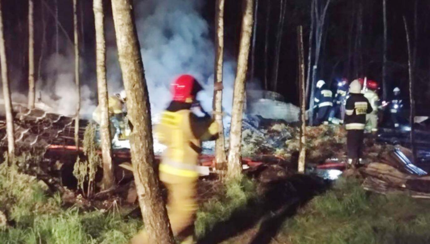 Pożar stadniny koni w Budach Michałowskich (fot. Facebook/OSP Międzyborów)