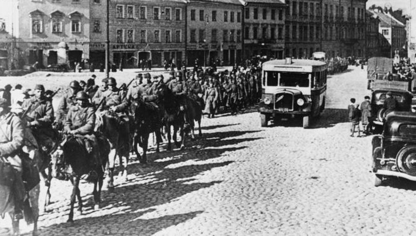 Soviet Red Army entering the Polish city of Wilno (Vilnius) after the joint German-Russian aggression against Poland, September 19, 1939. Photo: Imperial War Museums