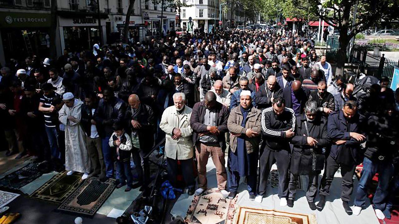 Liczba radykalnych muzułmanów we Francji szybko rośnie (fot. REUTERS/Benoit Tessier)