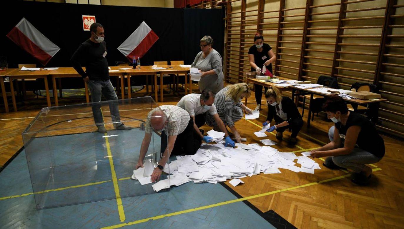 Kto wygra wybory? (fot.PAP/Darek Delmanowicz)