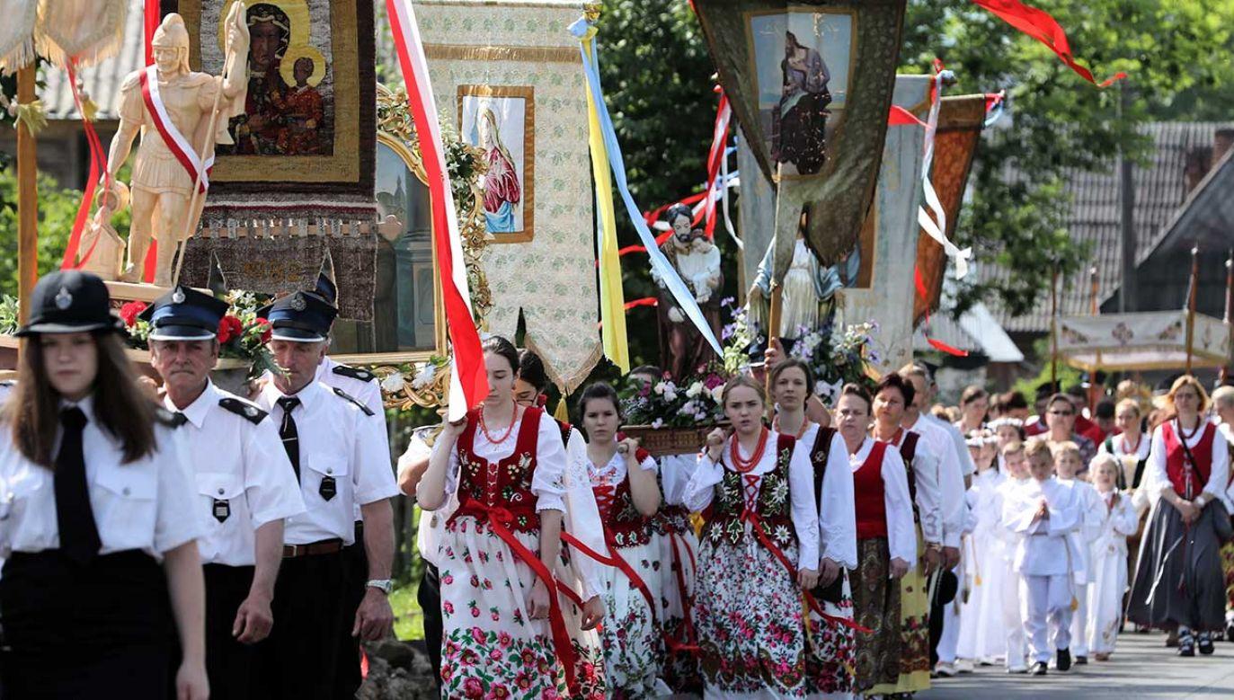 Procesja Bożego Ciała w Witowie (fot. arch.  PAP/Grzegorz Momot)