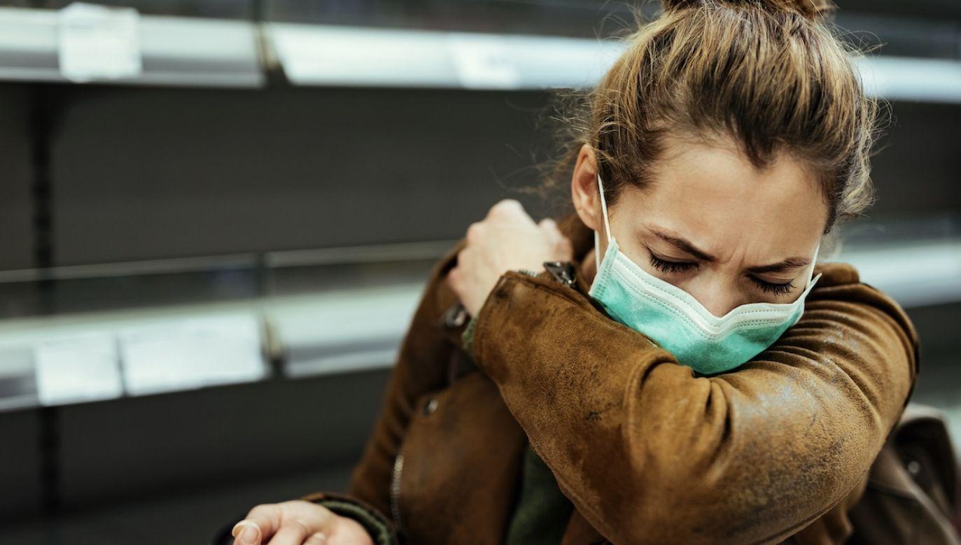 Z badania wynika, że u większości zakażonych po jakimś czasie rozwijają się objawy infekcji (fot. Shutterstock/Drazen Zigic)
