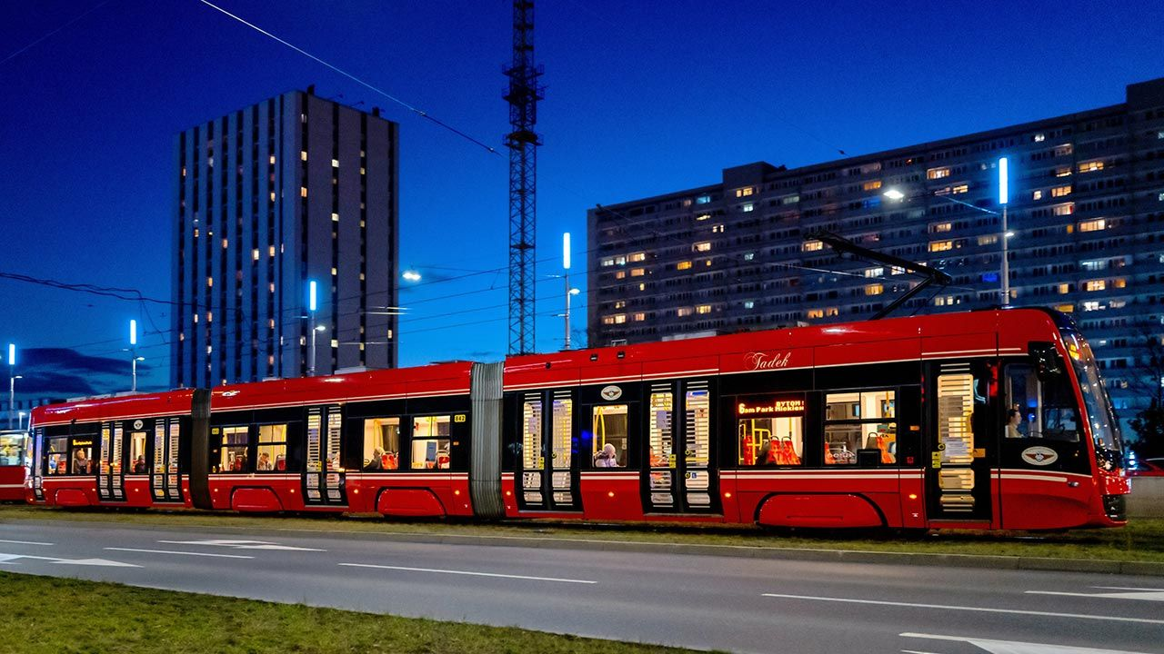 Wprowadzenie nowego, stałego rozkładu jazdy nastąpi m.in. na liniach nr 6, 7 i 19, które łączą Bytom, Świętochłowice, Chorzów i Katowice (fot. PAP/Andrzej Grygiel)