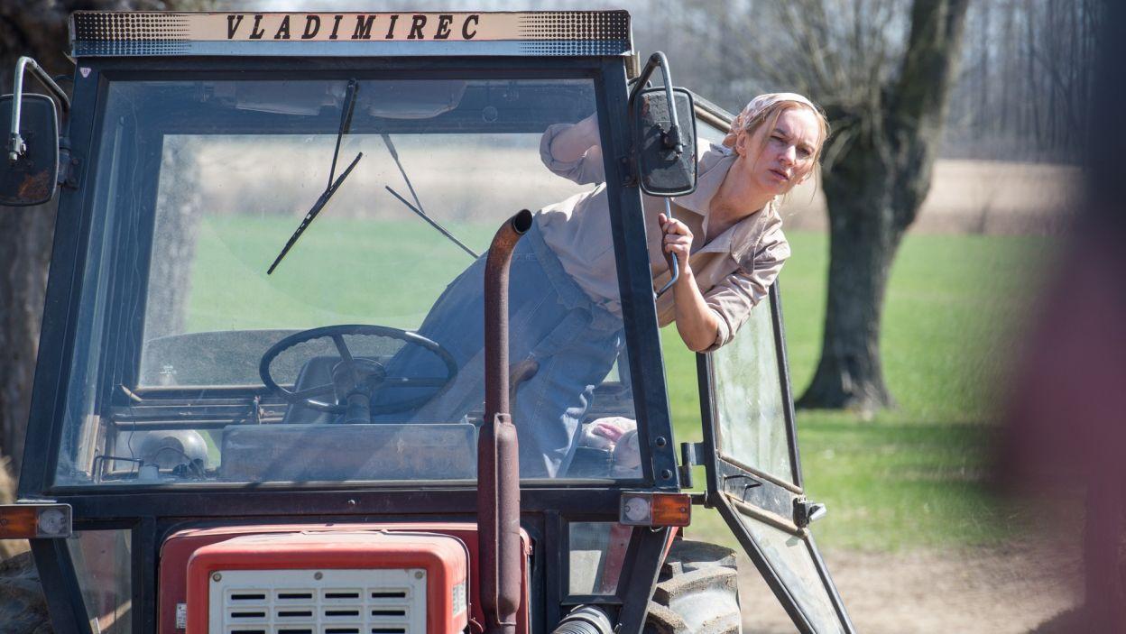 Gospodarstwem odziedzonym przez Georga zajmuje się Maria; w tej roli zobaczymy Agnieszkę Przepiórską (fot. Jan Bogacz/TVP)