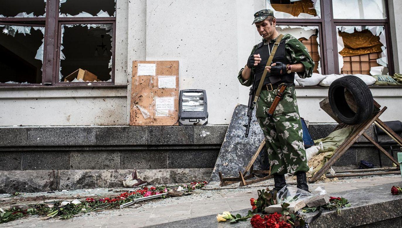 """Premier Morawiecki: Polityka Rosji jest jak """"przystawienie pistoletu do głowy"""" (fot. NurPhoto/Corbis via Getty Images)"""