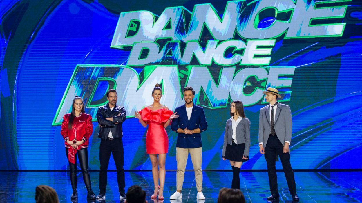 """Nadeszła też pora na solówki. To one miały rozstrzygnąć, kto pożegna się z """"Dance Dance Dance"""" w tym odcinku (Natasza Mludzik/ fot. TVP)"""