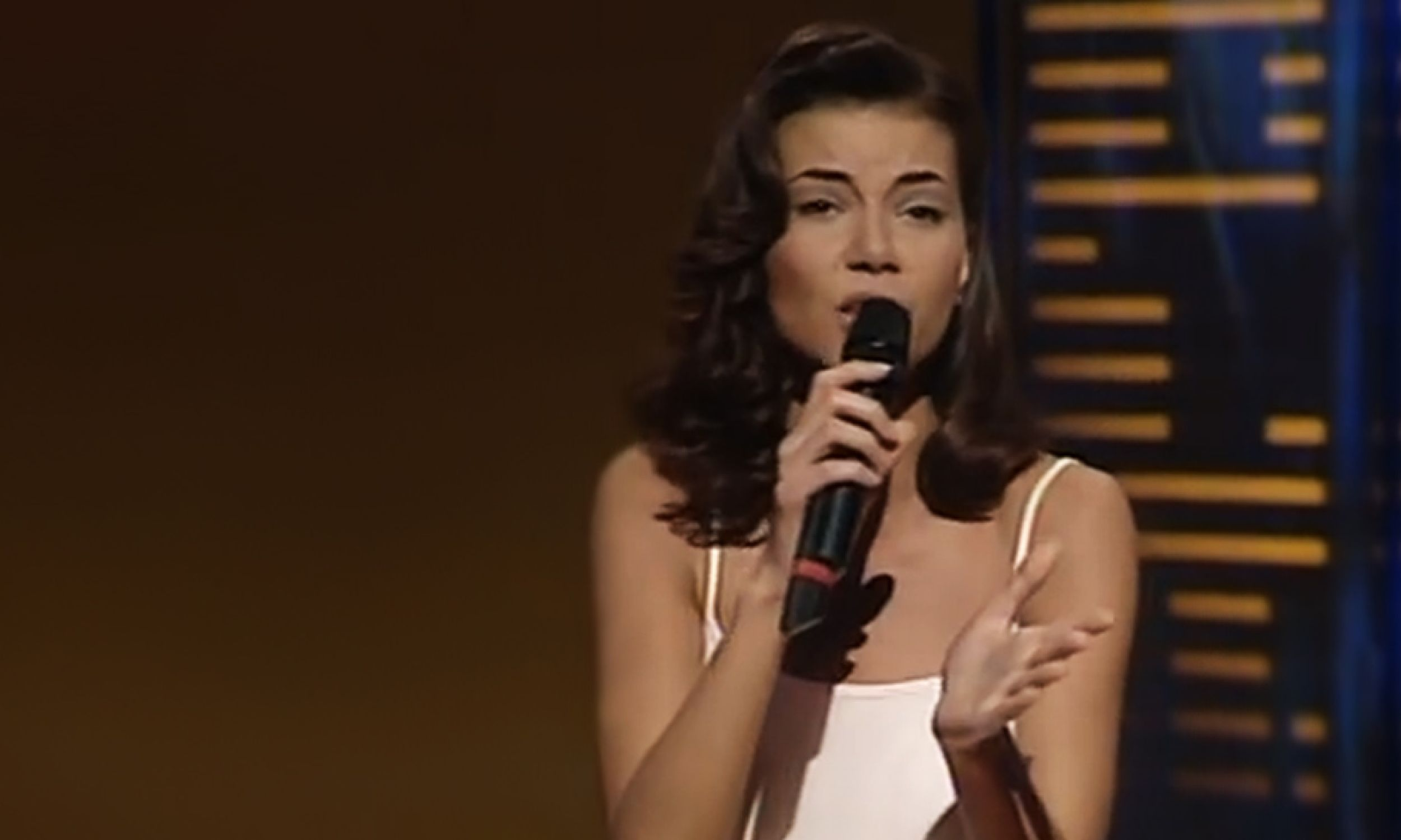 Edyta Górniak na konkursie Eurowizji w Dublinie w 1994 roku (fot. YouTube)
