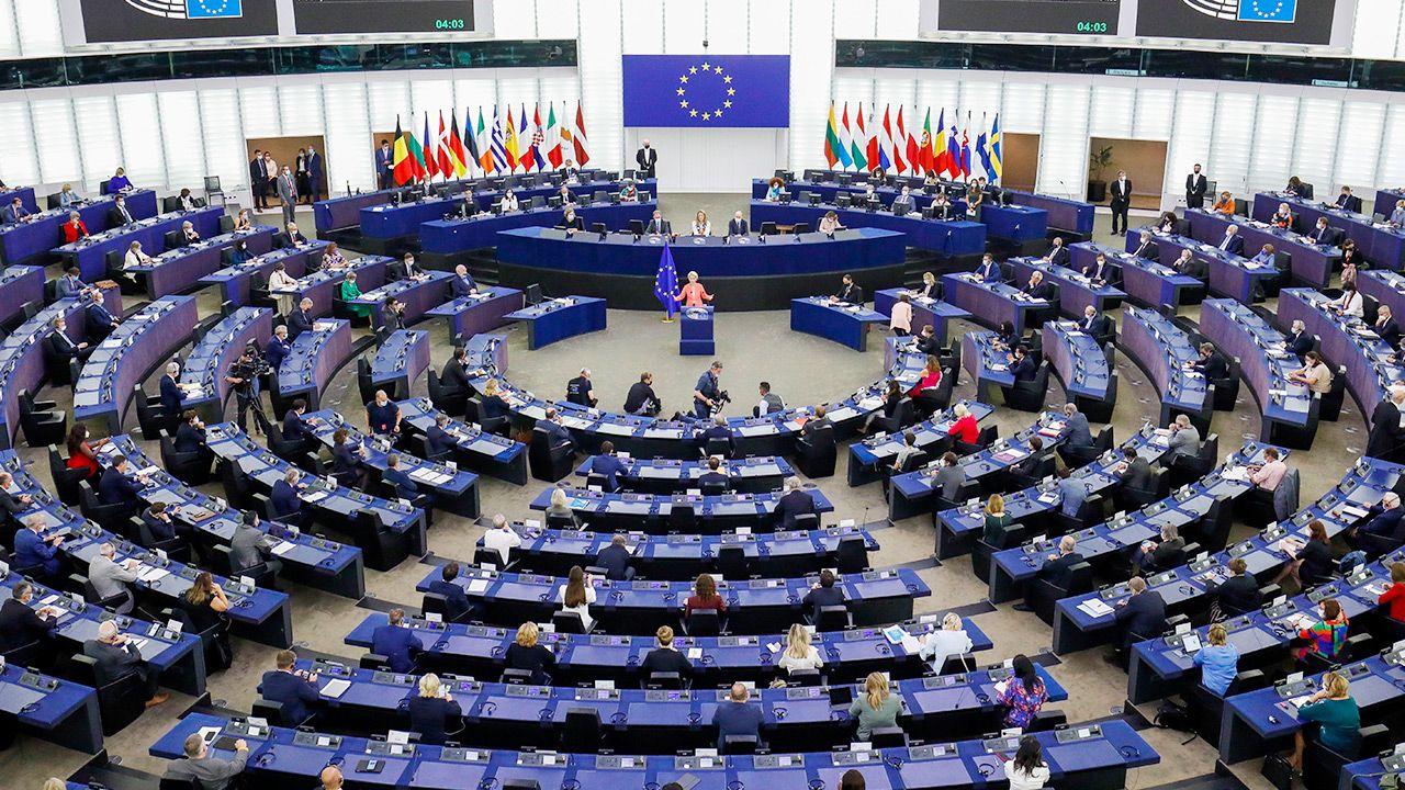 Parlament Europejski chce wzmocnienia służby zdrowia w UE (fot. PAP/EPA/JULIEN WARNAND)