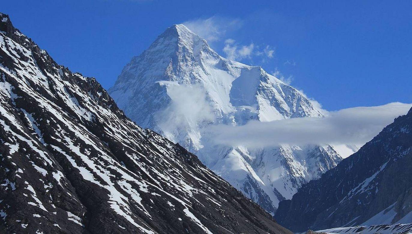 Ciała wspinaczy mają być przetransportowane helikopterami do bazy (fot. Wiki 4.0/Sallahuddin shah)