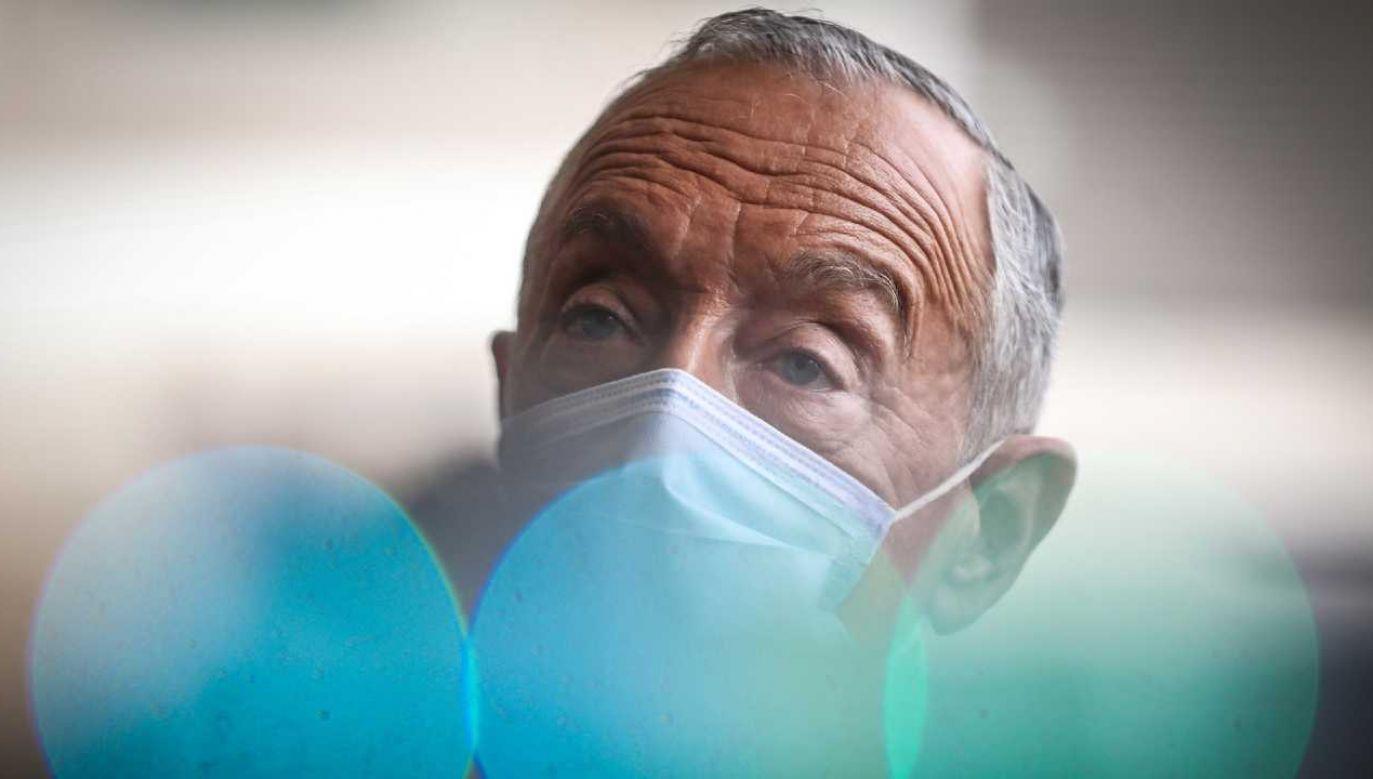 73-letni Marcelo Rebelo de Sousa ubiega się o reelekcję (fot. PAP/EPA/MARIO CRUZ)