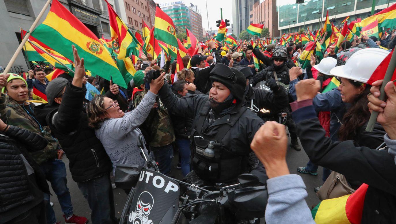 Ogłoszenie reelekcji Moralesa po wyborach 20 października wywołało masowe protesty w całym kraju (fot. PAP/EPA/Martin Alipaz)