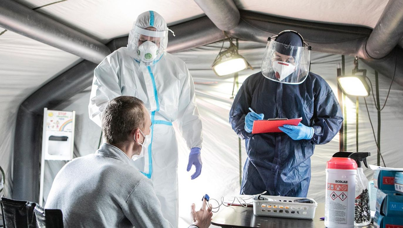 Rośnie liczba zakażeń koronawirusem na Śląsku (fot.  Jacek Szydlowski/NurPhoto via Getty Images)