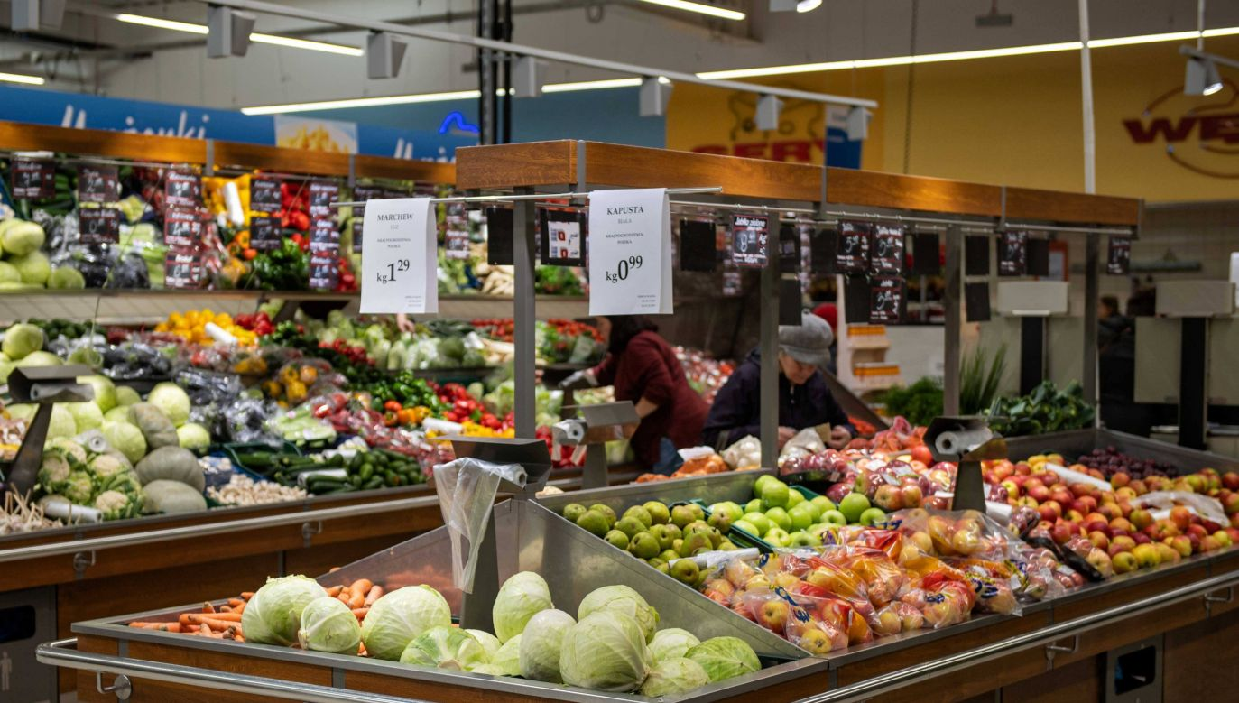 Przedświąteczny okres sprzyja handlowcom (PAP/Grzegorz Michałowski)