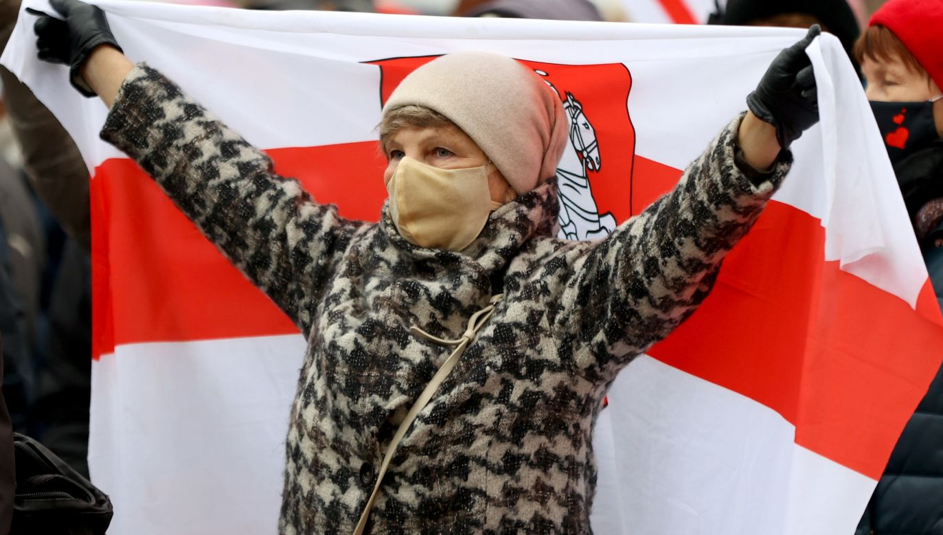 A woman protesting in Belarus. Photo: PAP/EPA/STR