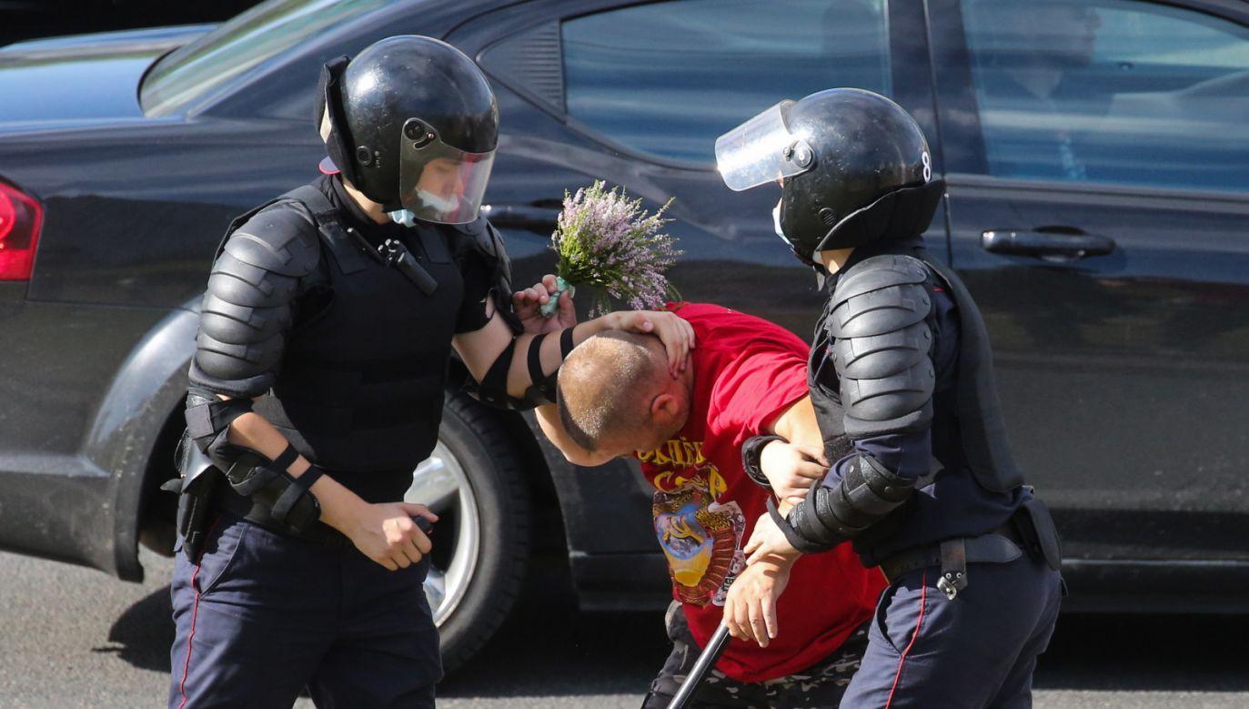 Rozpoczynają się prace w UE nad sankcjami osób odpowiedzialnych za przemoc (fot. PAP/EPA/STR)