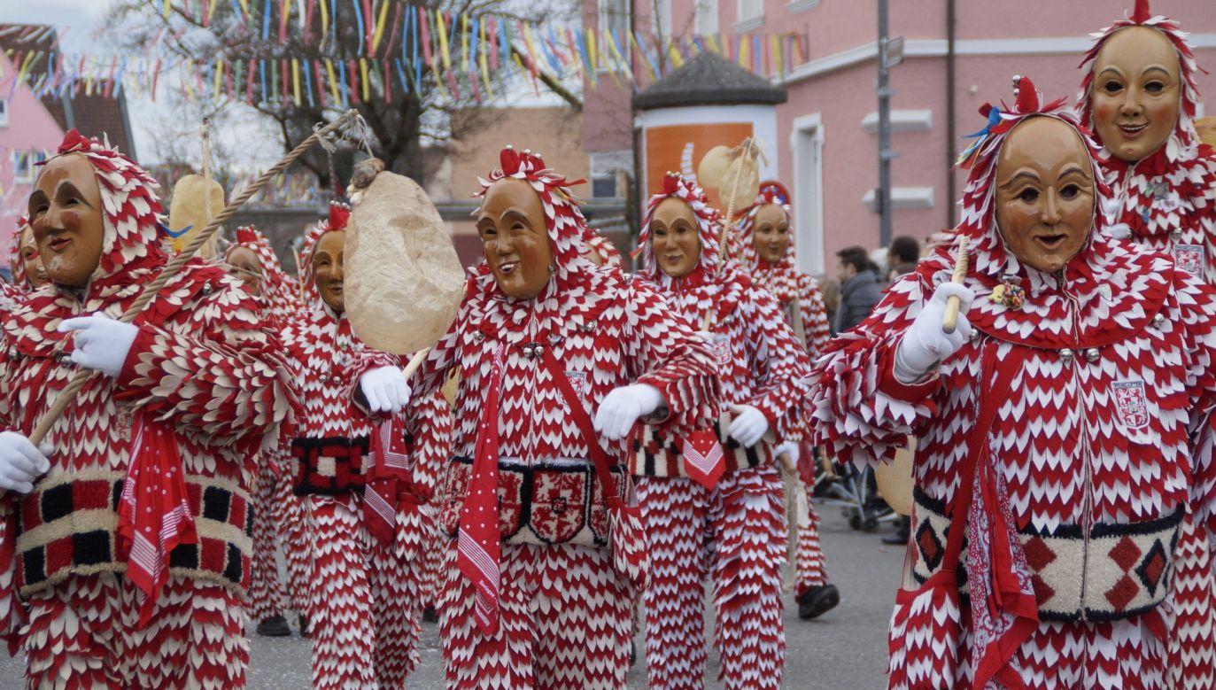 Nie odbędą się m.in tradycyjne pochody uliczne w zapustny poniedziałek  (fot.pixabay.com)