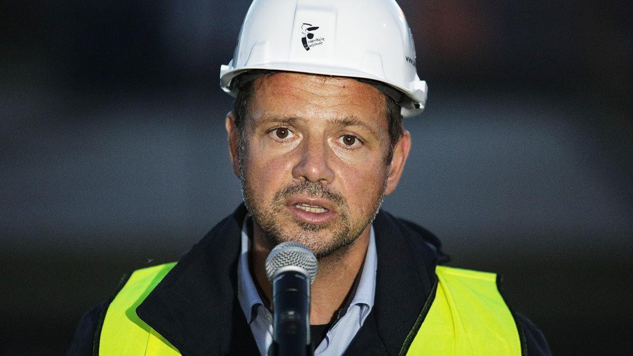 Rafał Trzaskowski obiecał windy (fot. Forum/ Andrzej Hulimka)
