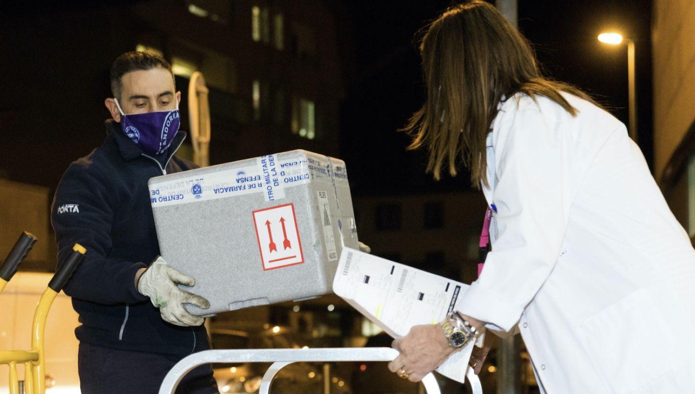 Szczepienia przeciwko COVID-19 rozpoczęły się w Hiszpanii 27 grudnia (fot. PAP/EPA, zdjęcie ilustracyjne)
