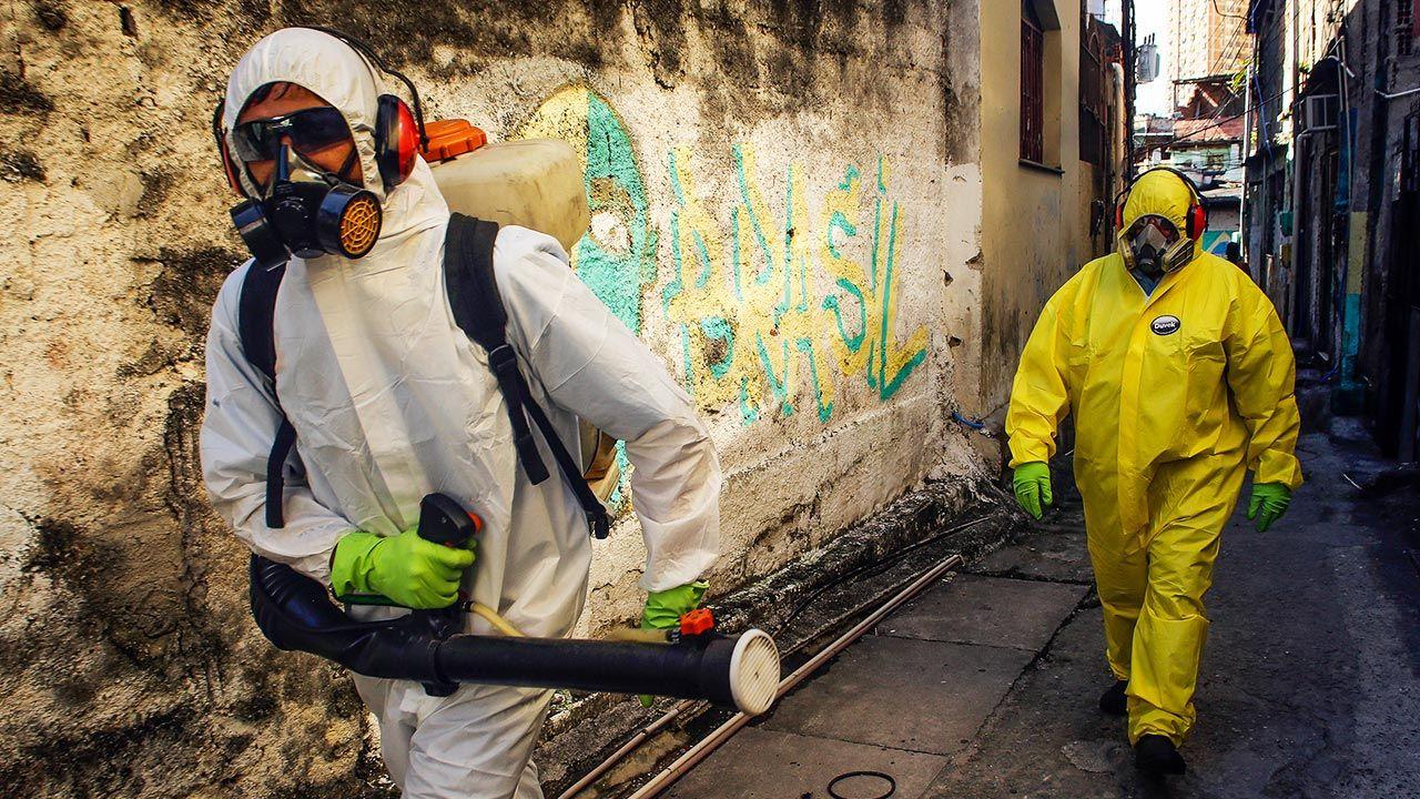 Eksperci ostrzegają przed brazylijską odmianą koronawirusa (fot. Luis Alvarenga/Getty Images)