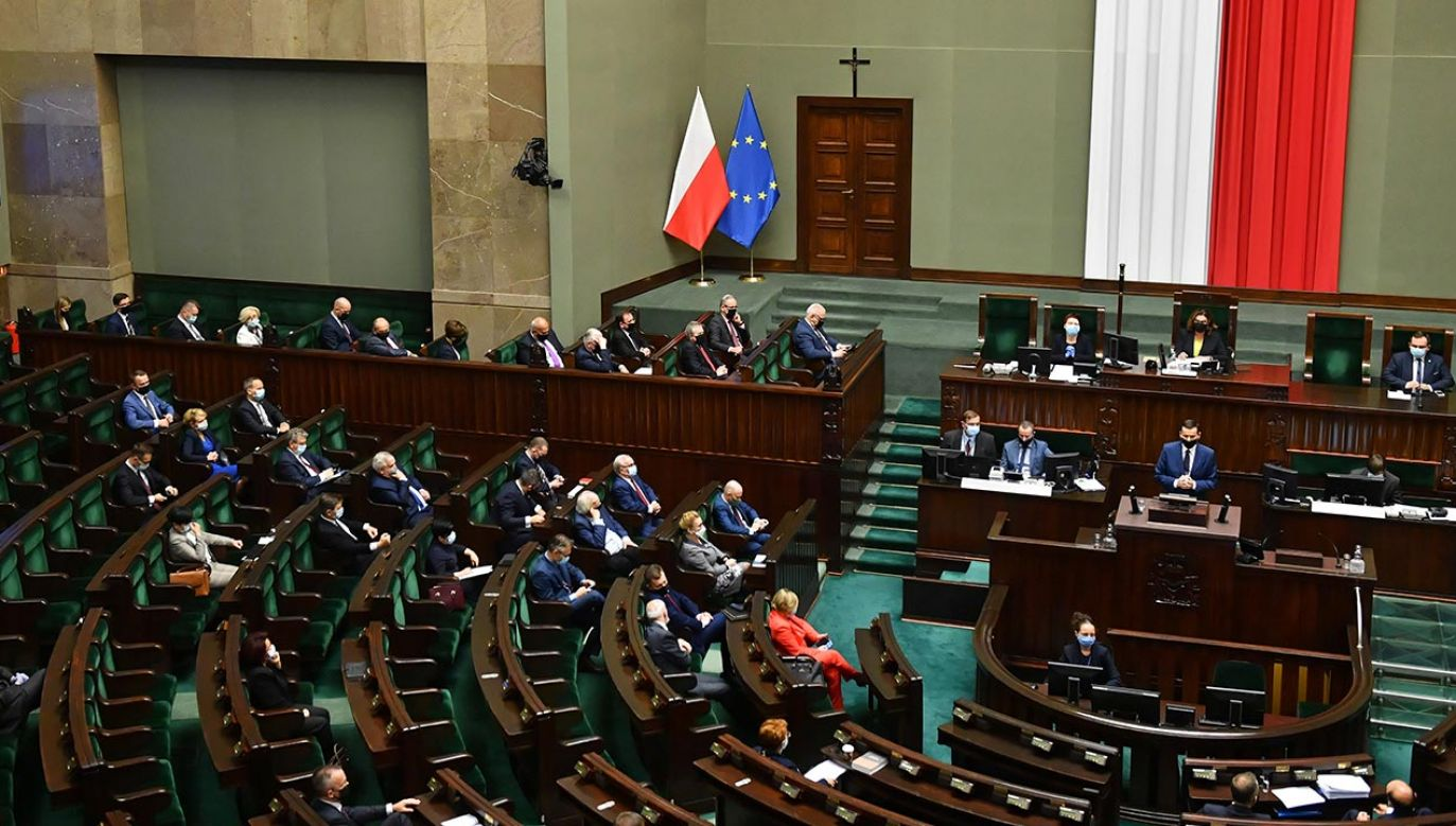 Na drugim miejscu znalazła się Koalicja Obywatelska (fot. PAP/Radek Pietruszka)