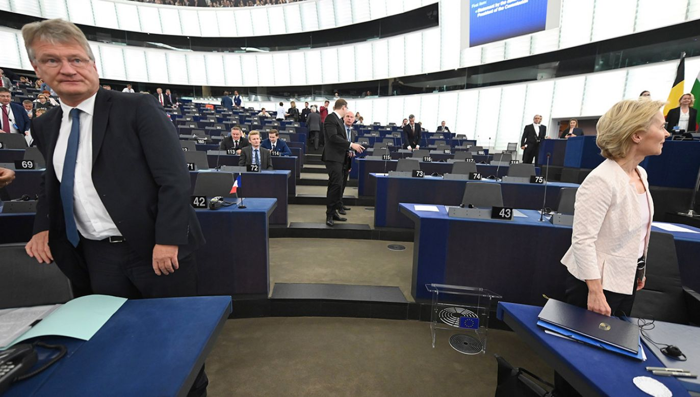 W TVP Info o kuluarach polityki europejskiej (fot. PAP/EPA/PATRICK SEEGER)