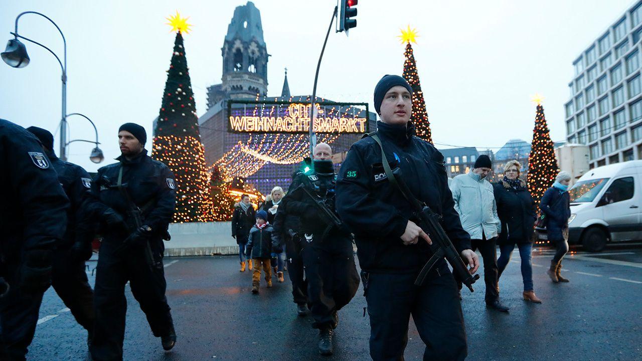 Policjanci nie przeanalizowali zawartości pamięci telefonu zamachowca (fot. REUTERS/Fabrizio Bensch)
