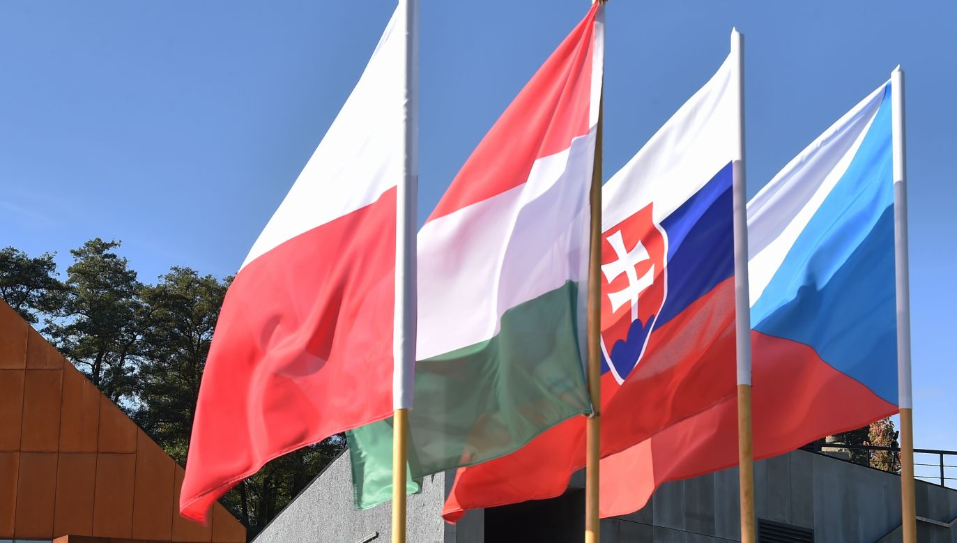 Flags of V4 countries. Photo: PAP/Jacek Bednarczyk