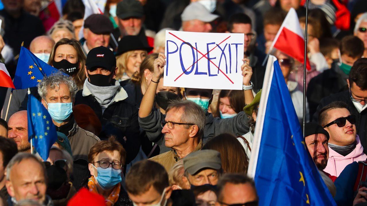 Zdaniem dziennikarza TVN polexit nie grozi Polsce (fot. Beata Zawrzel/NurPhoto via Getty Images)