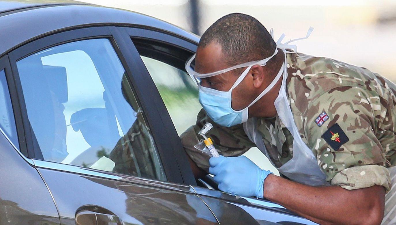 W Wielkiej Brytanii trwają próby szybkich testów na koronawirusa, które dają wyniki w ciągu 20 minut (fot. Hollie Adams/Getty Images)