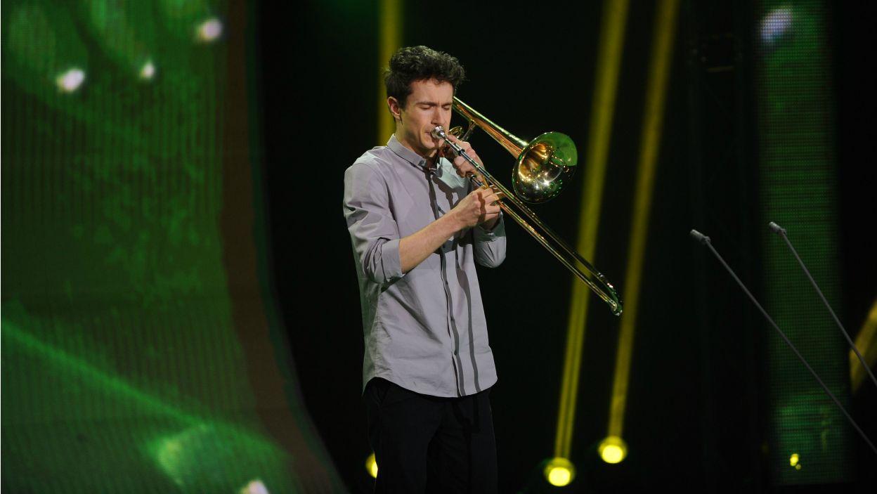 Maciej Prokopowicz ujął jury nie tylko dojrzałym wykonaniem, ale również dużą rozpiętością dynamiczną. Dostrzegli ogromną radość, jaką przynosi mu gra (fot. N. Młudzik/TVP)