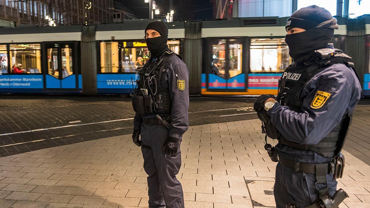 Do tej pory landy same decydowały o obostrzeniach (fot. Thomas Lohnes/Getty Images)
