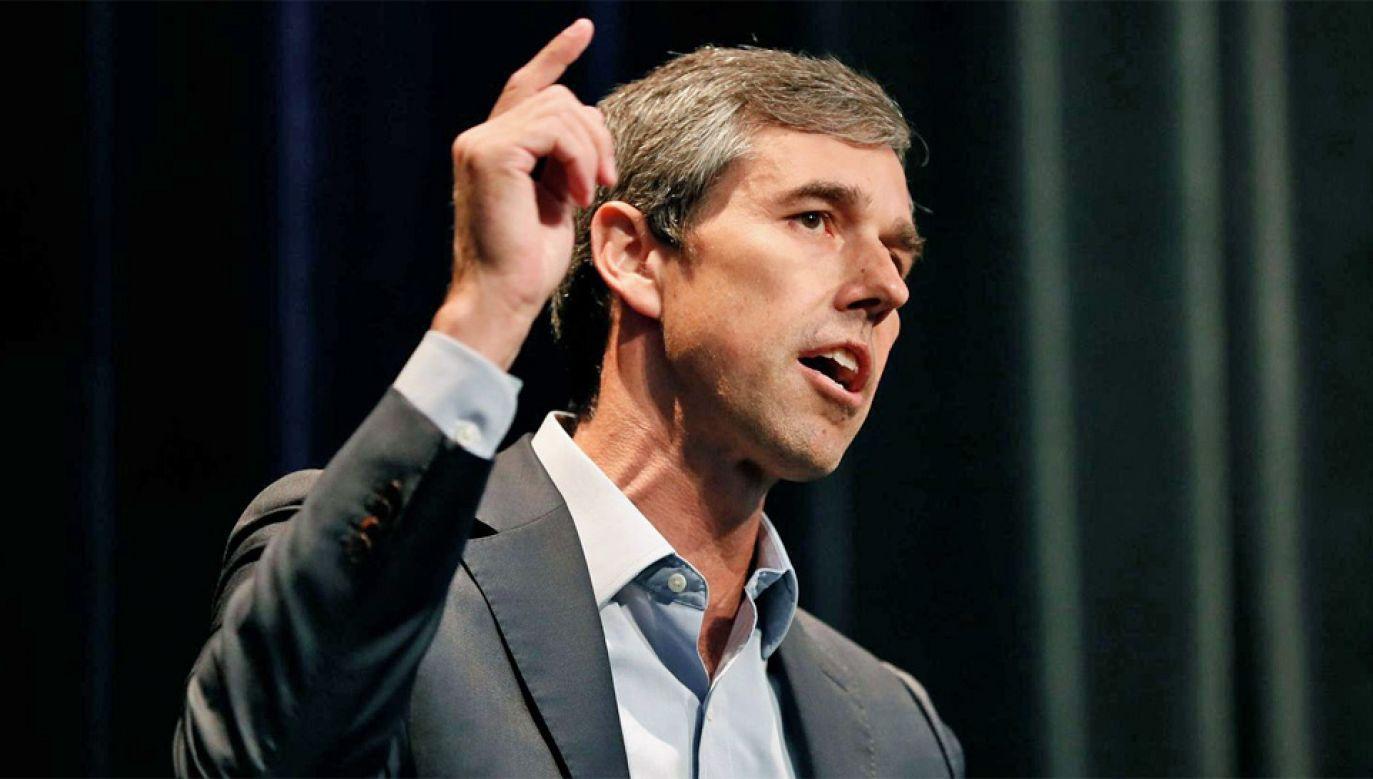 Prośba o nieprzeklinanie była skierowana głównie do Beto O'Rourke'a (fot. TT/CNN)