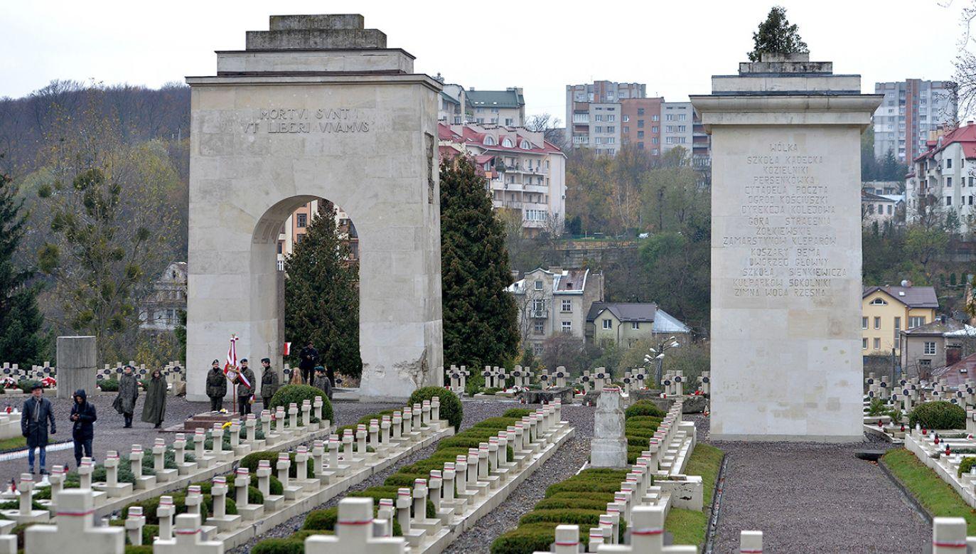 Cmentarz Orląt Lwowskich - część Cmentarza Łyczakowskiego we Lwowie (fot. arch. PAP/Darek Delmanowicz)