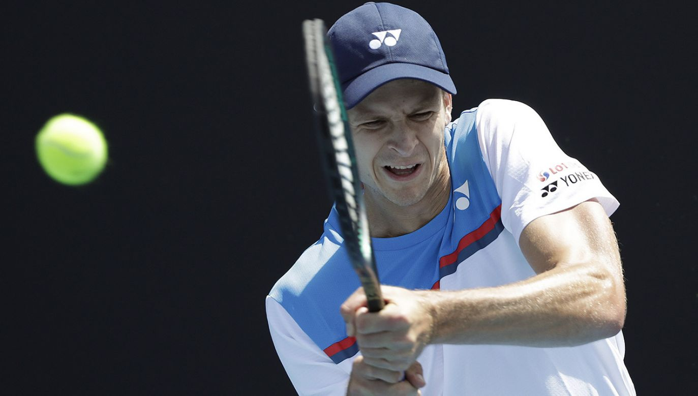 Hubert Hurkacz awansował do drugiej rundy Australian Open (fot. PAP/EPA/LYNN BO BO)