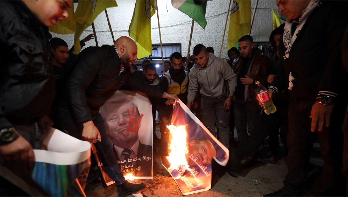 Palestyńczycy domagają się własnego państwa (fot. PAP/EPA/ABED AL HASHLAMOUN)