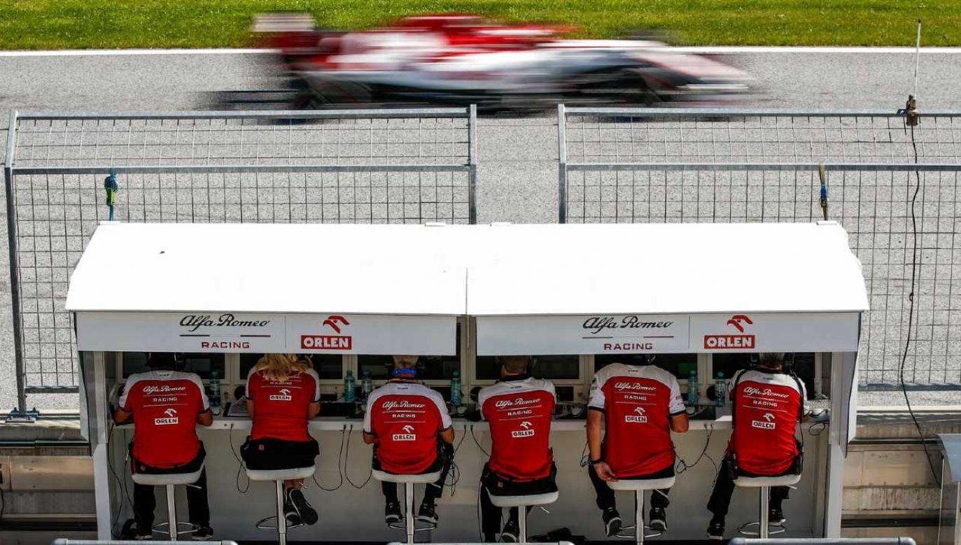 Inżynierowie teamu liczą na wskazówki Roberta Kubicy (fot. Alfa Romeo Racing Orlen/mat.pras.)
